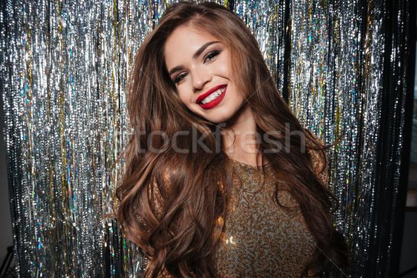 Portret wesoły piękna młoda kobieta długie włosy Zdjęcia stock © deandrobot