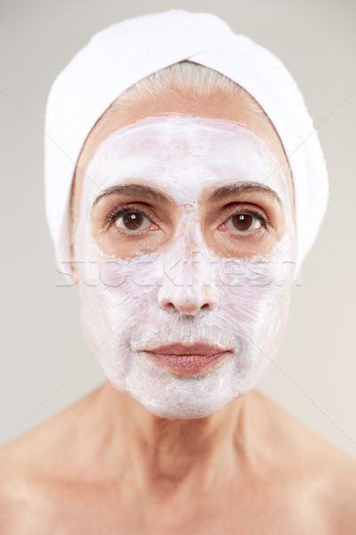 Güzellik portre olgun kadın havlu etrafında Stok fotoğraf © deandrobot