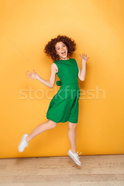 Foto stock: Retrato · animado · mulher · vestir