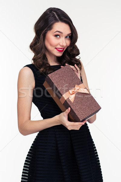 Gyönyörű nő smink retró stílus tart ajándék doboz Stock fotó © deandrobot