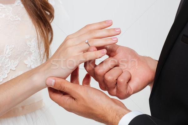 Uomo anello di fidanzamento fidanzata dito ragazza Foto d'archivio © deandrobot