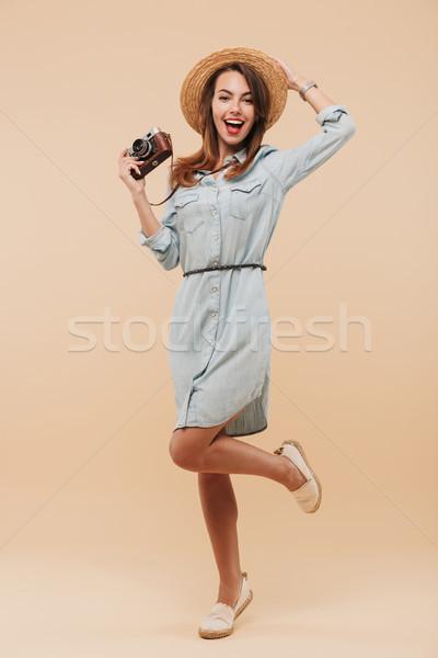 Tam uzunlukta portre mutlu genç kız fotoğraf Stok fotoğraf © deandrobot