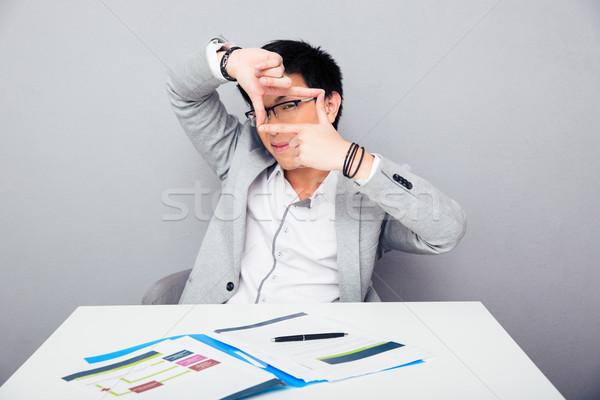 Zdjęcia stock: Biznesmen · ramki · palce · asian · młodych