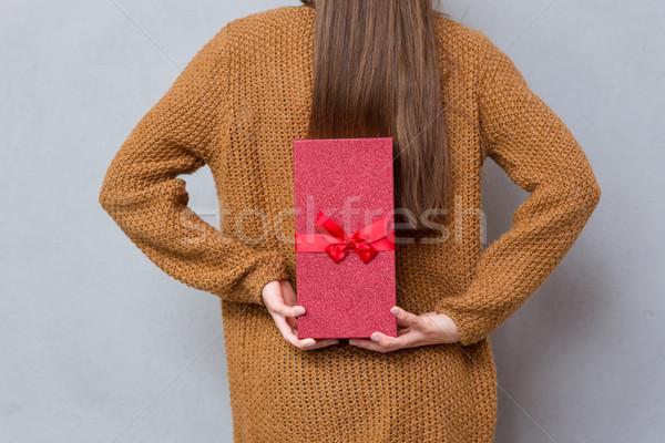 背面図 女性 手 ギフトボックス ブラウン ストックフォト © deandrobot
