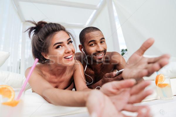 Foto stock: Jovem · feliz · casal · amor · ouvir · música