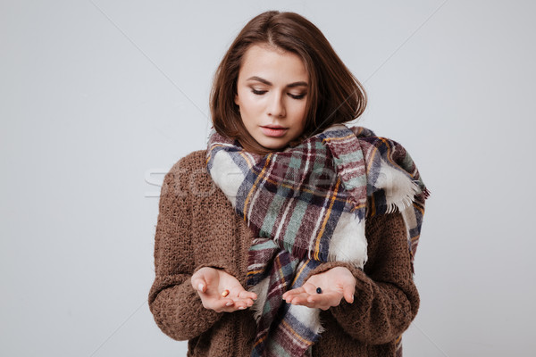 Malade jeune femme chandail écharpe médecine Photo stock © deandrobot
