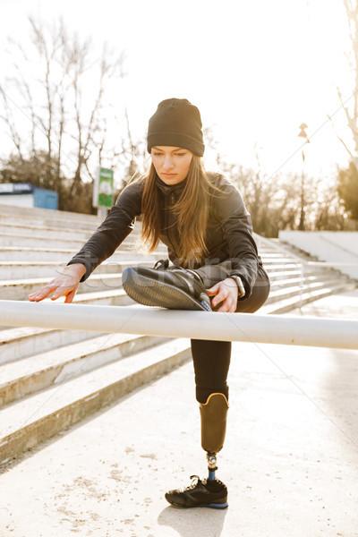 Obraz niepełnosprawnych uruchomiony dziewczyna odzież sportowa szkolenia Zdjęcia stock © deandrobot