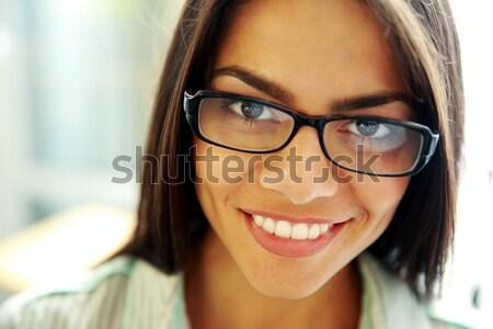 Jonge vrouw lippenstift naar spiegel lichaam Stockfoto © deandrobot