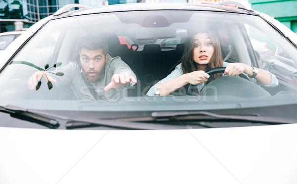 Csinos pár csattanás nő kerék elöl Stock fotó © deandrobot