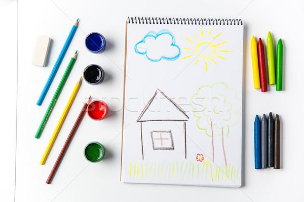 Ołówki około dzieci pastel rysunek kolorowy Zdjęcia stock © deandrobot