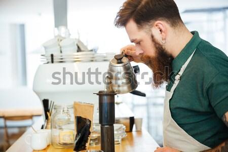 Barista agua café suelo filtrar Foto stock © deandrobot