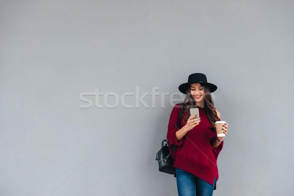 портрет счастливая девушка Hat свитер счастливым азиатских Сток-фото © deandrobot