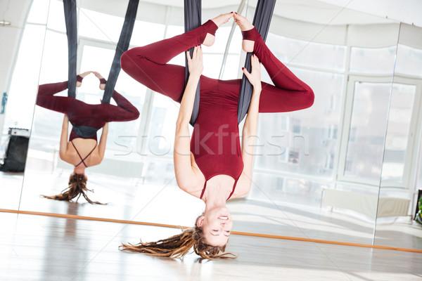 Stok fotoğraf: çekici · genç · yoga · egzersiz