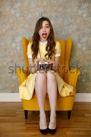 Surpreendido feliz jovem atraente senhora batom vermelho Foto stock © deandrobot