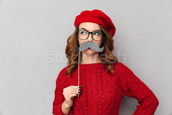 Retrato engraçado mulher vermelho suéter óculos Foto stock © deandrobot