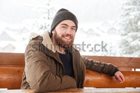 Stock fotó: Derűs · férfi · okostelefon · kint · tél · szakállas