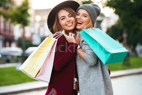 Foto stock: Retrato · dois · alegre · jovem · meninas