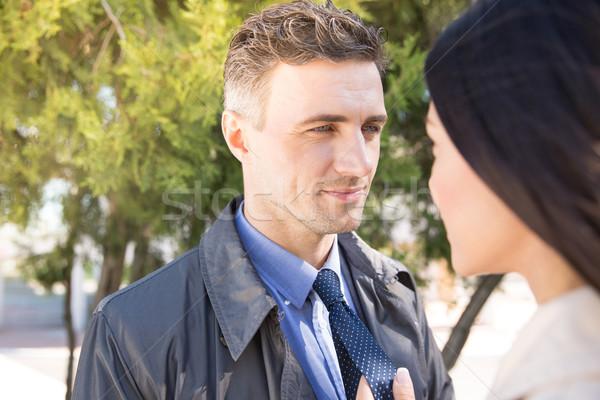 Homem mulher olhando outro ao ar livre retrato Foto stock © deandrobot