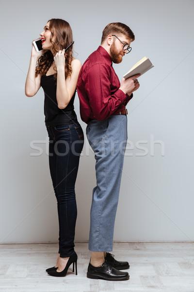 Kobieta mężczyzna nerd stałego powrót inny Zdjęcia stock © deandrobot