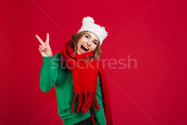 Alegre gritando morena mulher suéter engraçado Foto stock © deandrobot