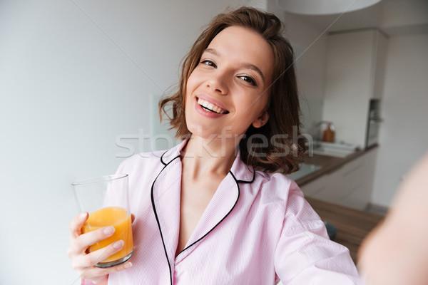 Portret uśmiechnięty dość dziewczyna piżama Zdjęcia stock © deandrobot