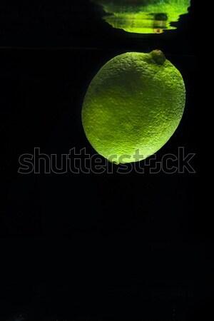 Frescos verde cal agua espejo reflexión Foto stock © deandrobot