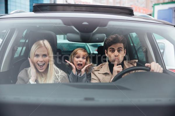 Uomo seduta auto moglie figlia Foto d'archivio © deandrobot