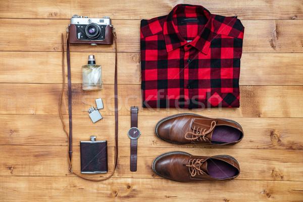 Utazás póló kamera cipők flaska öngyújtó Stock fotó © deandrobot