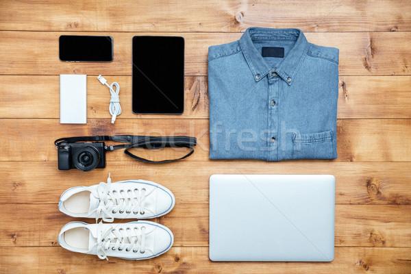 путешествия обувь рубашку мобильного телефона usb камеры Сток-фото © deandrobot