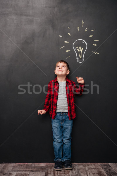 Pequeño cute nino idea pizarra imagen Foto stock © deandrobot
