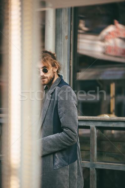 肖像 スタイリッシュ あごひげを生やした 男 コート 徒歩 ストックフォト © deandrobot