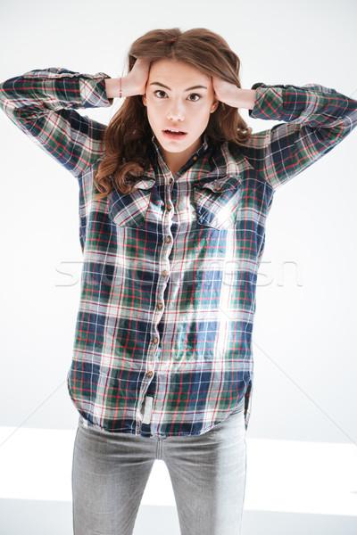 Stock fotó: Csalódott · nő · kockás · póló · kezek · fej