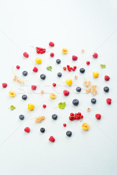 Keverék bogyók izolált fehér asztal felső Stock fotó © deandrobot