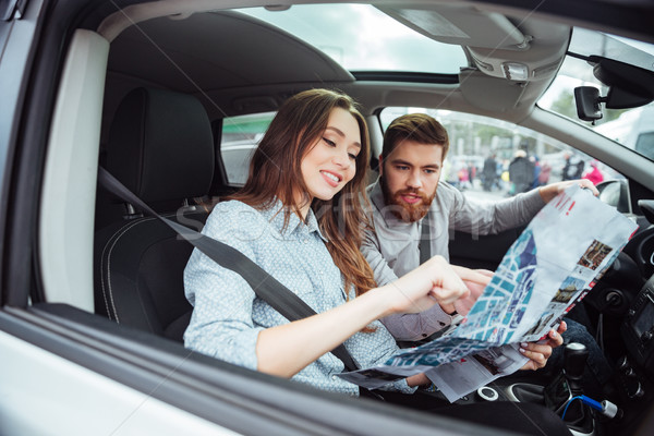 Pár autó térkép férfi kerék oldalnézet Stock fotó © deandrobot