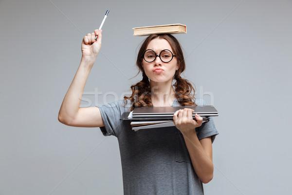 Jovem feminino nerd livro cabeça engraçado Foto stock © deandrobot