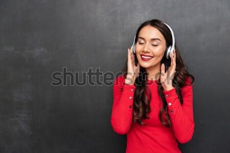 Közelkép fotó gyönyörű fiatal nő fényes smink Stock fotó © deandrobot