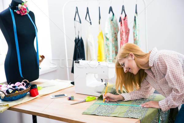 женщины портной швейных семинар счастливым красивой Сток-фото © deandrobot