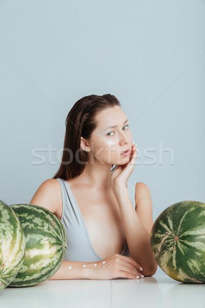 Bastante mulher jovem sessão tabela fresco menina Foto stock © deandrobot