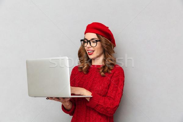 肖像 きれいな女性 赤 セーター 眼鏡 入力 ストックフォト © deandrobot