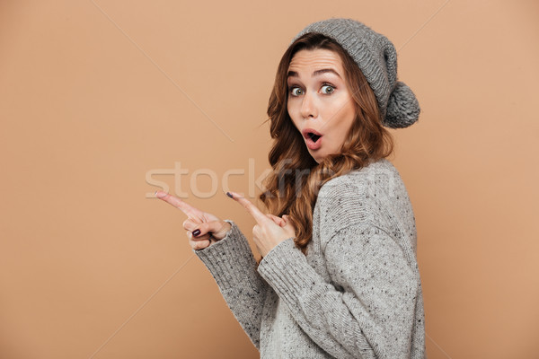 Belo maravilhado morena mulher quente desgaste Foto stock © deandrobot