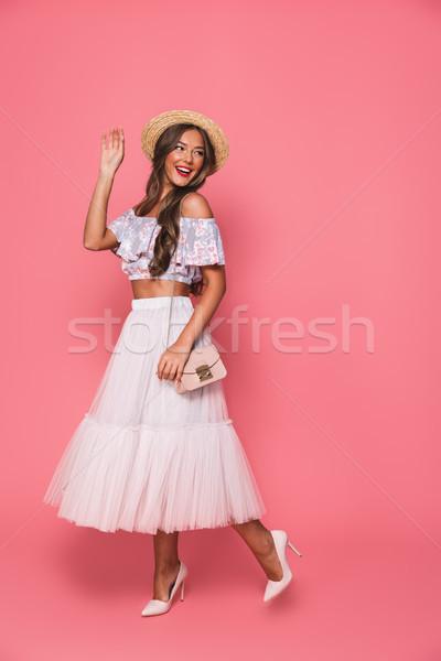 Teljes alakos kép barna hajú gyönyörű nő 20-as évek visel Stock fotó © deandrobot