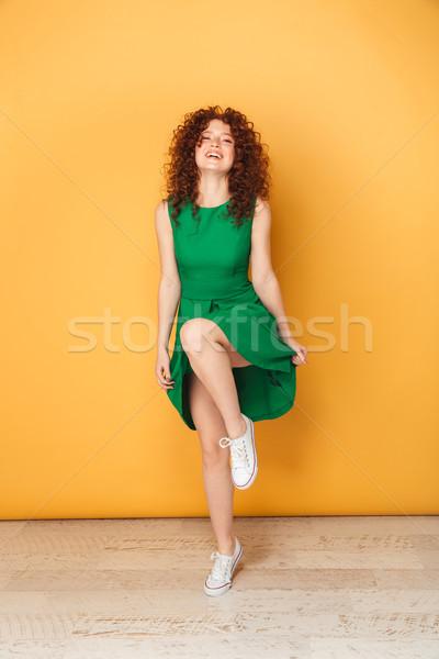 Foto stock: Retrato · alegre · jovem · mulher