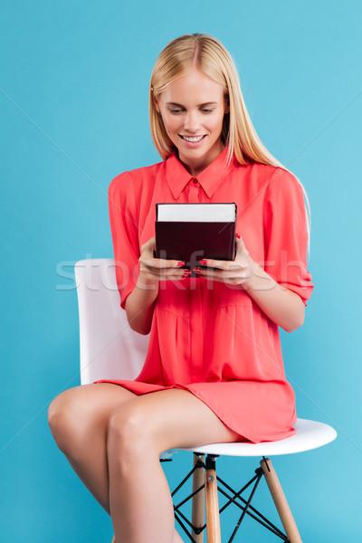 Vrouw naar vergadering stoel portret Stockfoto © deandrobot