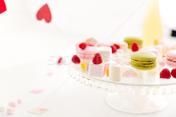 Plaat frans bessen bloemen glas achtergrond Stockfoto © deandrobot