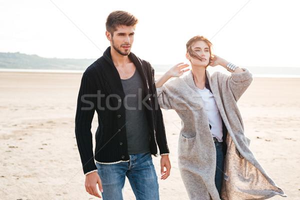 Romantik yürüyüş sahil sonbahar portre Stok fotoğraf © deandrobot