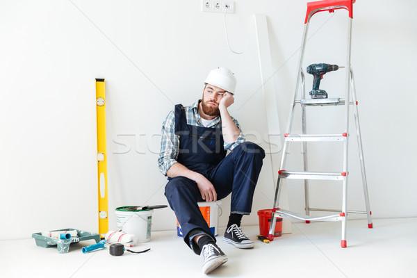 Shot moe bouwer reparatie uitrusting bebaarde Stockfoto © deandrobot