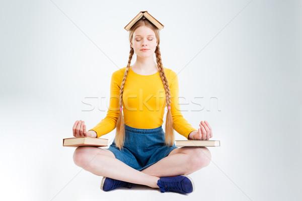 女 學生 沉思 孤立 白 書 商業照片 © deandrobot