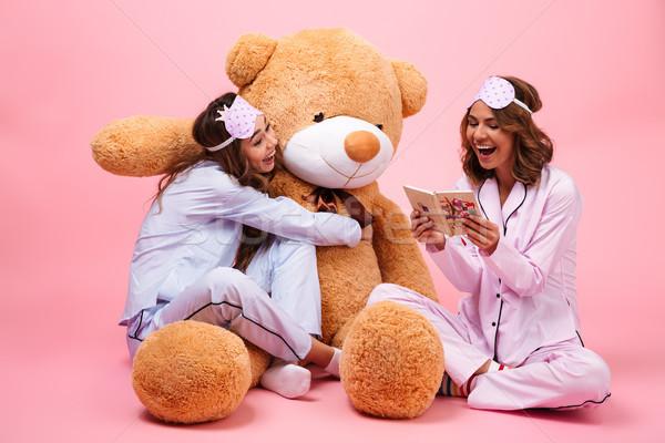 Stockfoto: Twee · kers · jonge · meisjes · pyjama · vergadering