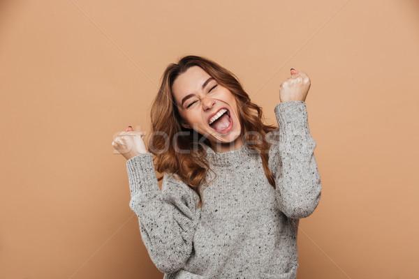 Közelkép portré boldog sikít nő csukott szemmel Stock fotó © deandrobot