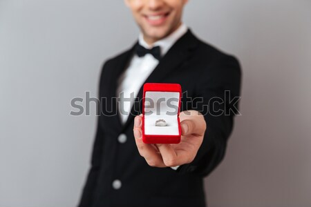 Portret bruidegom ring witte bruiloft mannelijke Stockfoto © deandrobot